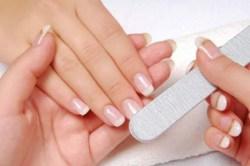 Все для догляду за нігтями і кутикулою